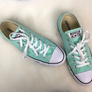 •Converse• MINT Green All-Stars Chucks Women's 10